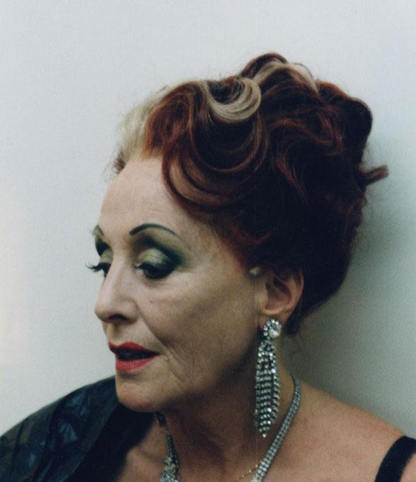 Carmen Renate Köper » Der Besuch der alten Dame – <b>Claire Zachanassian</b> ... - alte-dame