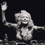Schauspielhaus Frankfurt a.M. 1990/91 bis 2000/01. Intendant: Prof. Peter Eschberg. Samuel Beckett, Glücklich Tage - Winnie. Regie: Peter Eschberg